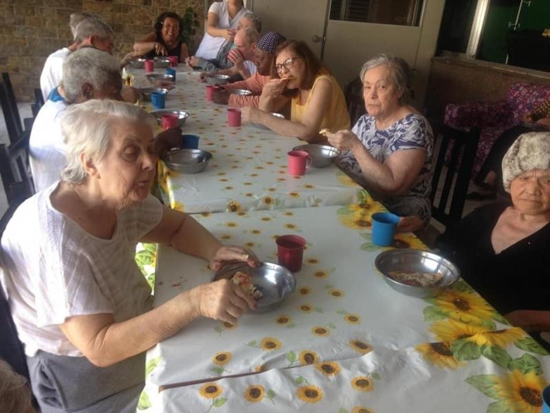 Asilo para Idoso com Enfermagem Vila Maria Augusta - Asilo para Idoso com Nutricionista