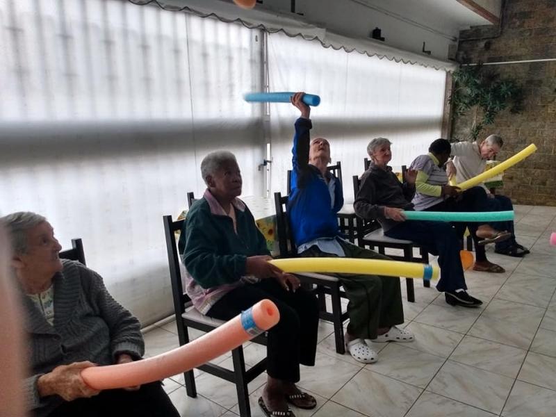 Asilo para Terceira Idade de Luxo Santana de Parnaíba - Asilo para Terceira Idade com Médicos