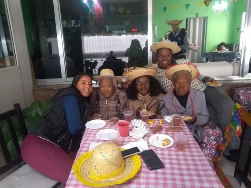 Clínica de Hospedagem de Baixa Permanência para Idosos Morro Penha - Clínica e Casa para Idosos