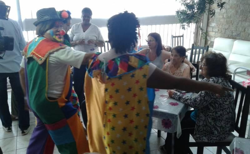 Clínica Dia para Idosos Dependentes Preço Parque do Carmo - Clínica Dia para Idosos com Fisioterapia