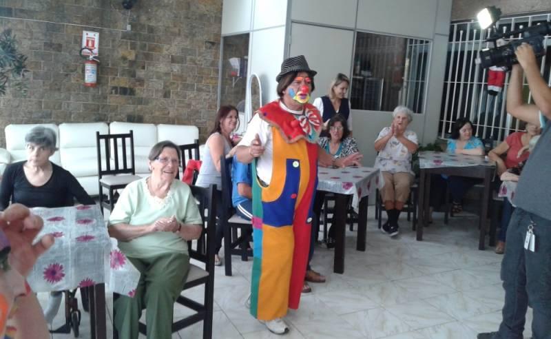 Clínica Dia para Idosos Passarem o Dia Preço Santana de Parnaíba - Clínica Dia para Idosos com Fisioterapia