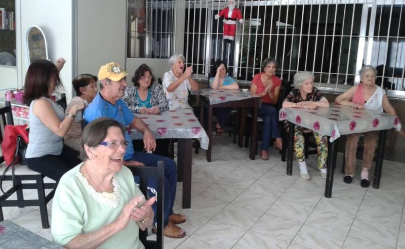 Clínica Dia para Idosos Preço Jardim Santana - Clínica Dia para Idosos Passarem o Dia