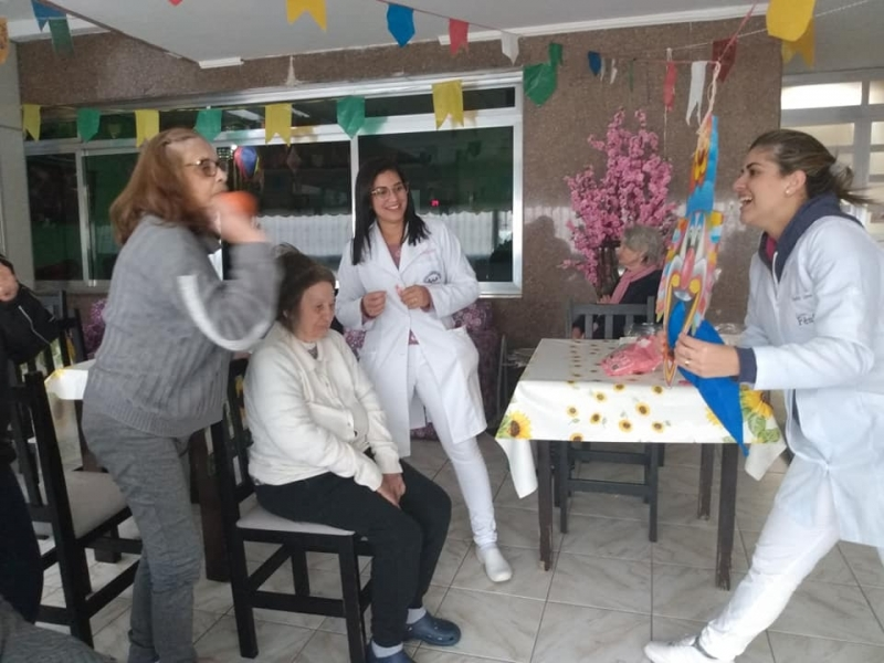 Clínica e Casa de Repouso para Idosos com Alzheimer Chácara Santana - Clínica de Hospedagem para Idoso com Parkinson