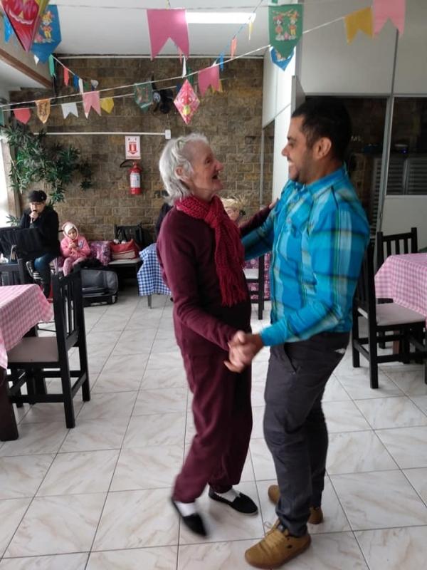 Clínica e Casa para Idosos Vila Brasil - Clínica de Hospedagem para Idoso com Enfermagem