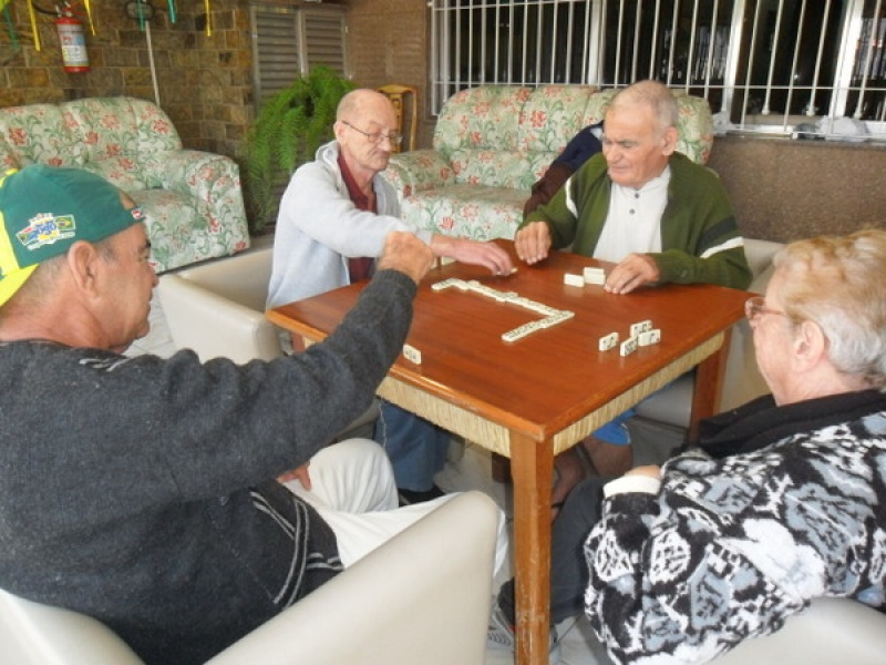 Cuidadora de Idosos no Jardim Sapopemba - Repouso para Idosos no Carrão