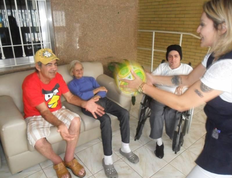 Onde Encontrar Clínica Dia para Idosos com Parkinson Vila Brasil - Clínica Dia para Idosos Acamados