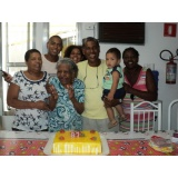 Casa com idosos na Vila Ponte Rasa