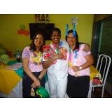 Cuidador da terceira idade no Morro Penha