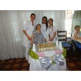 Cuidadora de idosos na Vila Carrão