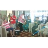 Cuidadora de idosos na Vila Ponte Rasa